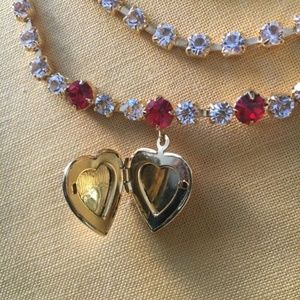 Jewelry - Heart-shaped locket necklace